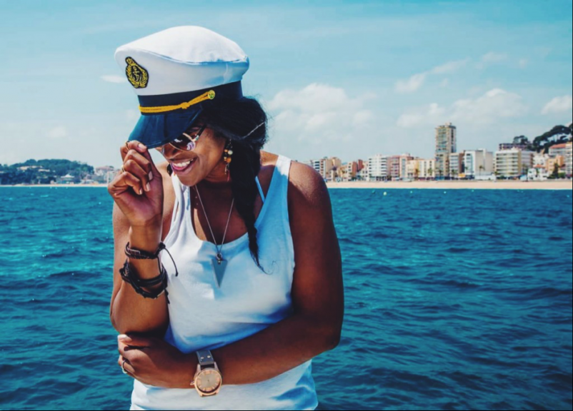7 Awesome Female Travelers to Follow on Social Media